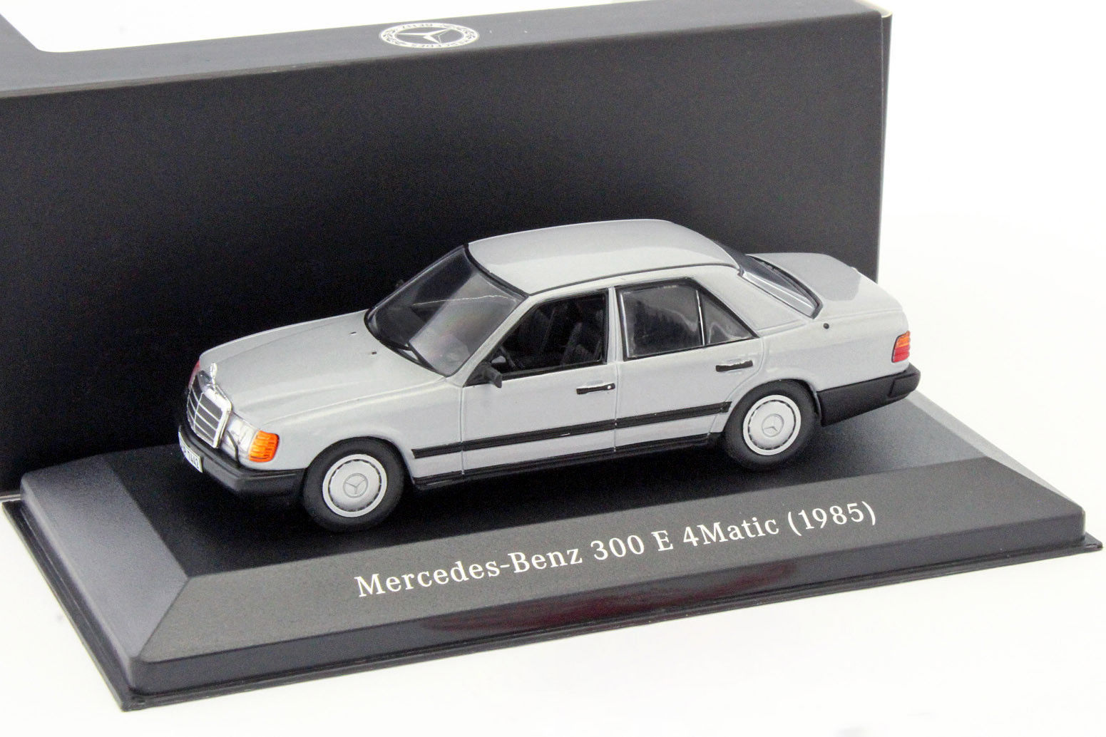 Модель Mercedes-Benz 300 E 4MATIC, W124, 1985-1993, Scale 1:43 B66041036