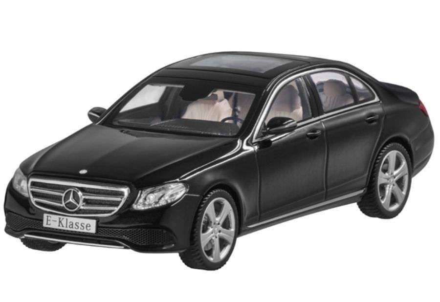 Модель Mercedes-Benz E-Class Saloon (W213), Avantgarde, Scale 1:43 B66962303