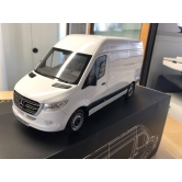 Модель Mercedes-Benz Sprinter Panel Van, Arctic White, Scale 1:18 B66004162